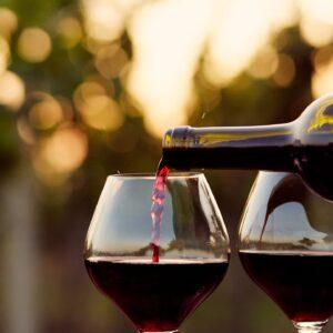 Wine pour